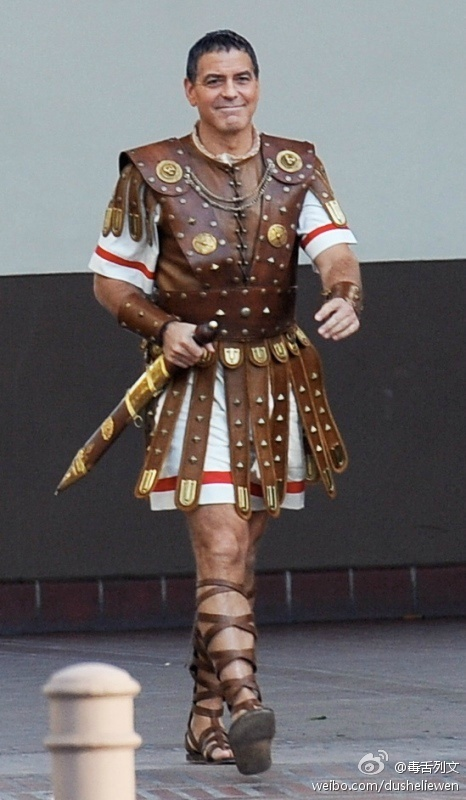Hail Caesar filming in L A - George Clooney on the set - Page 2 5a3fe34ajw1en0xvwj370j20cy0m877e