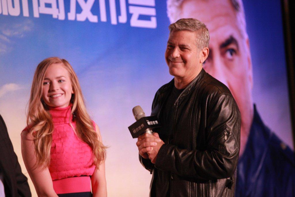 George Clooney in Shanghai Tomorrowland Premier 22. May 2015 61e75fb8gw1esd77oxl3qj21kw11xaj4