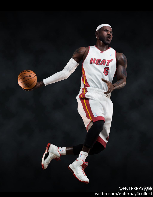 [Enterbay] NBA Real Masterpiece - LeBron James - Página 3 685ebd96jw1e5wuuhw6iaj20xc16t7cp