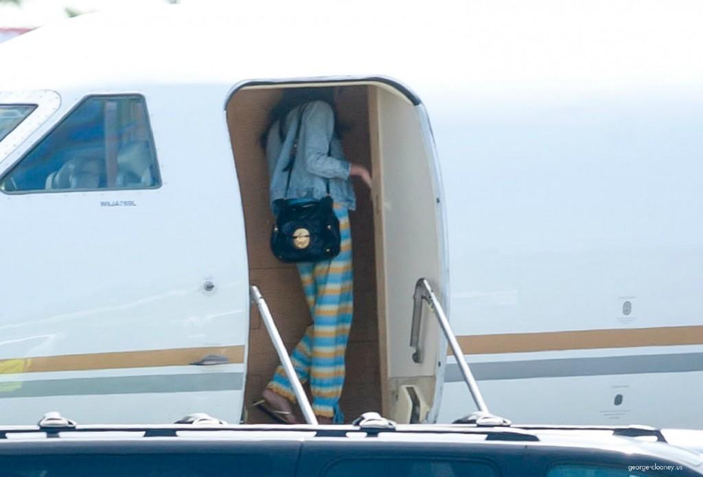 George Clooney and Amal leaving LA 693f7a02jw1eg01f4j1e5j215n0sajvm
