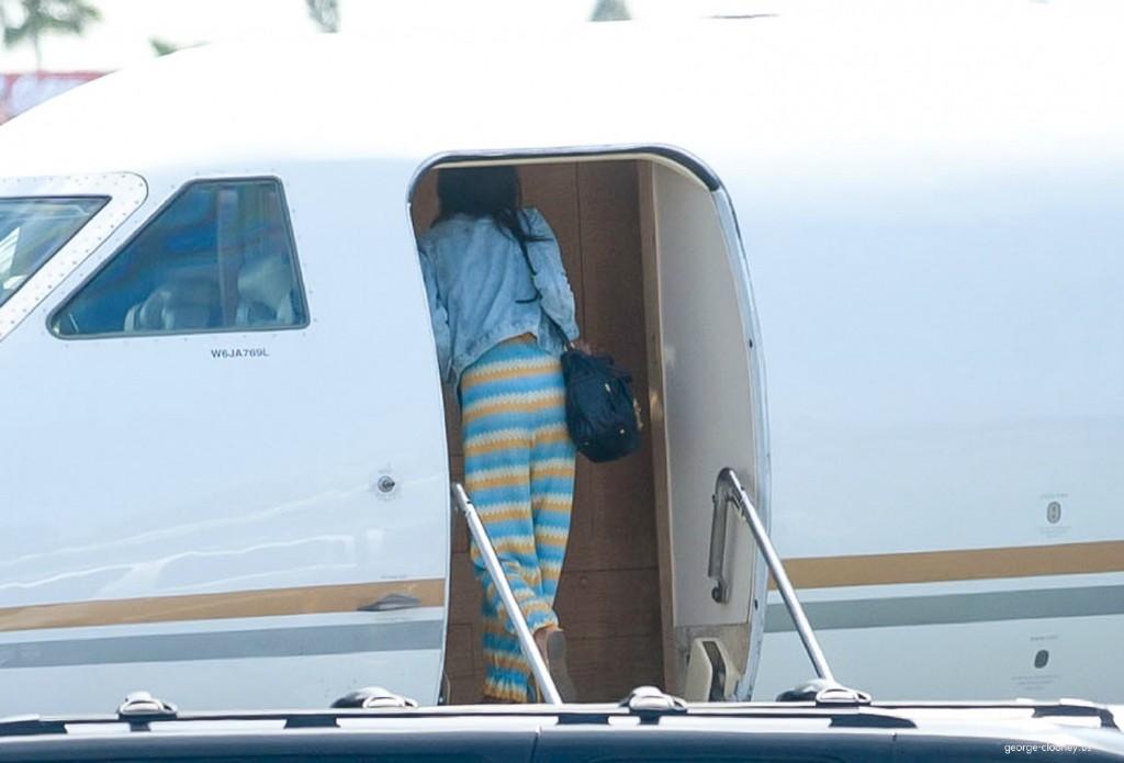 George Clooney and Amal leaving LA 693f7a02jw1eg0294yblnj215n0satdb