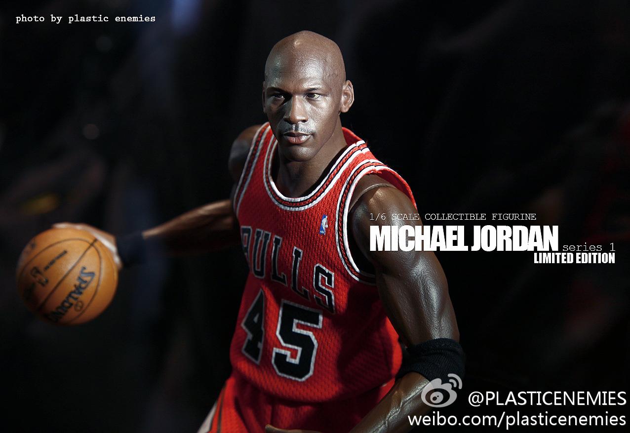 [ENTERBAY] NBA Real Masterpiece - Michael Jordan | Series 1 - Página 10 6a853733gw1e1787pwmfmj