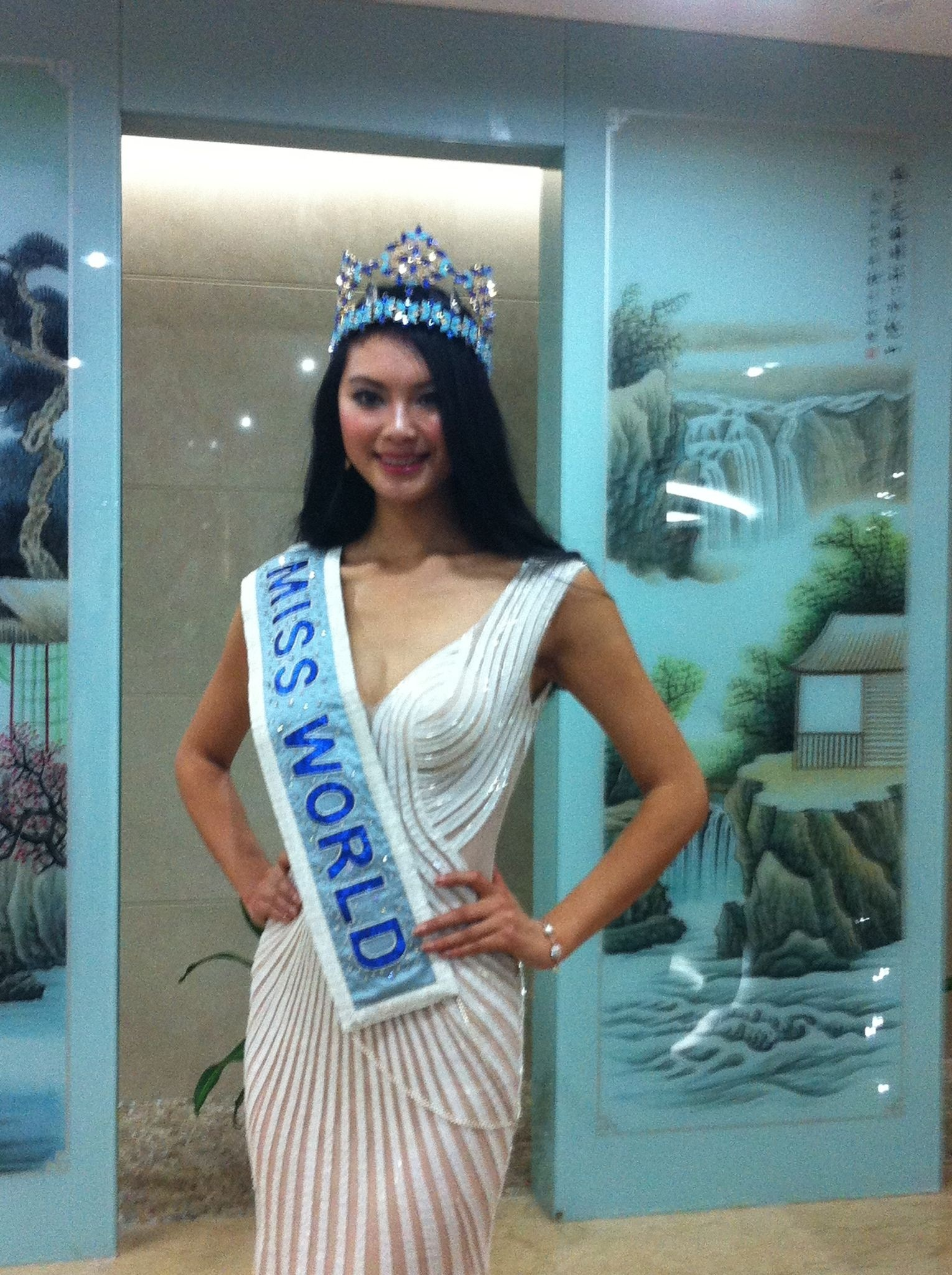 Official Thread Miss World 2012- Yu Wenxia- People's Republic of China - Page 4 Abe27240jw1dwlq9wfxk3j