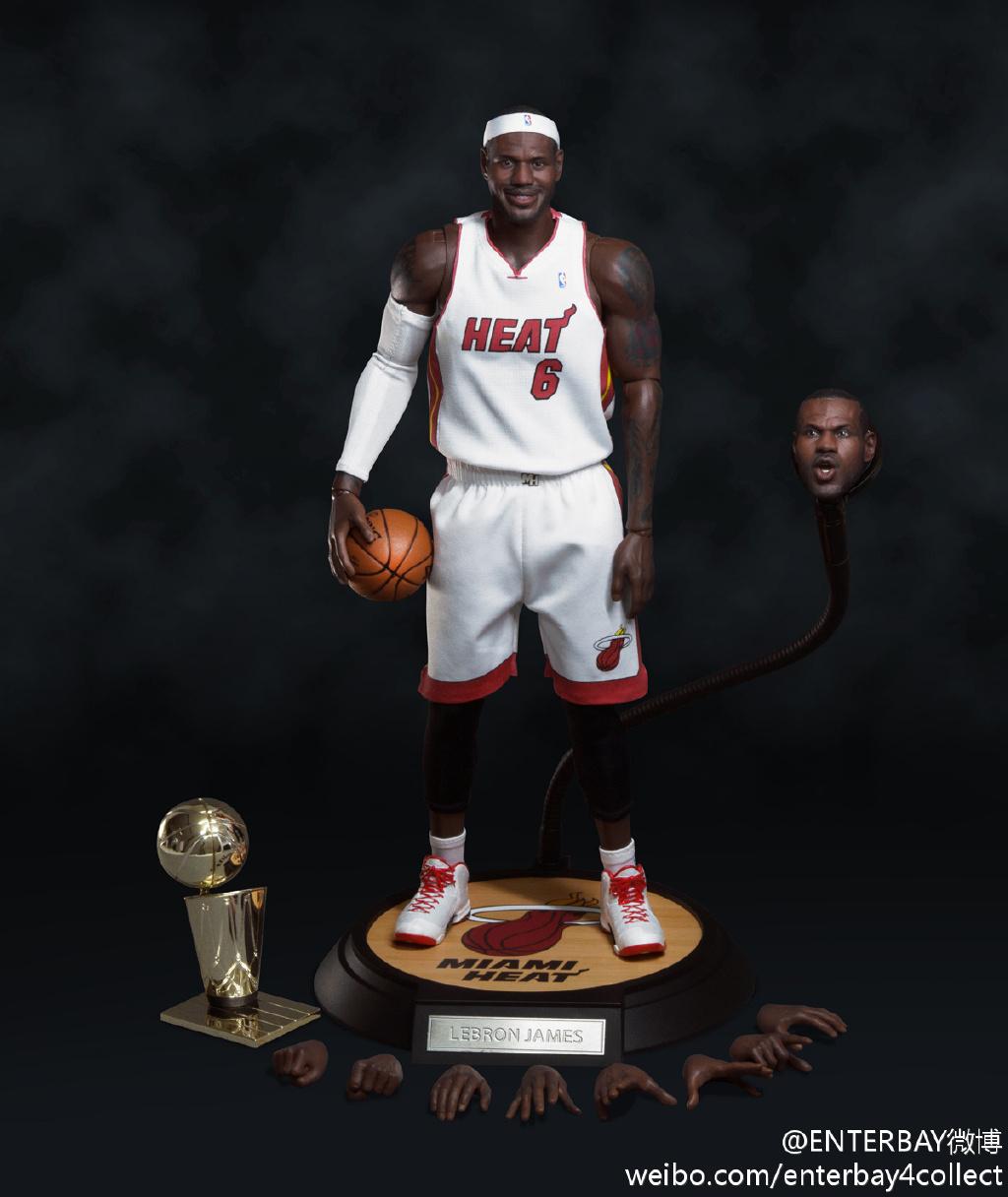 [Enterbay] NBA Real Masterpiece - LeBron James - Página 3 685ebd96jw1e5vzip97sdj20xc13l7c8