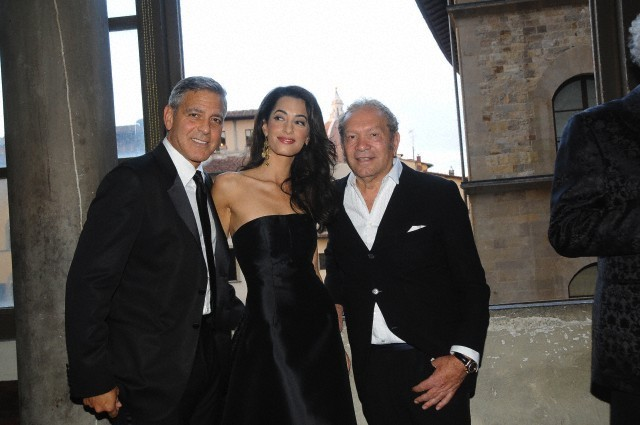 George Clooney and Amal to visit the Celebrity Fight Night Foundation in Florence - Page 6 693f7a02gw1ekeodp2ezsj20hs0btabg