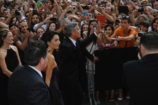 George Clooney and Amal to visit the Celebrity Fight Night Foundation in Florence - Page 6 693f7a02gw1ekerb2gn6dj20hs0btwg4
