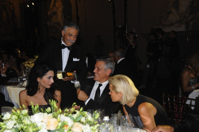 George Clooney and Amal to visit the Celebrity Fight Night Foundation in Florence - Page 6 693f7a02gw1ekerezy51dj20hs0bt0u5