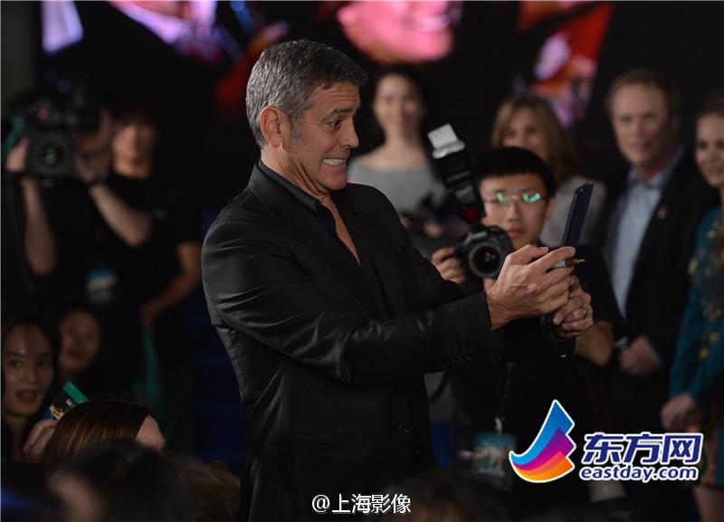 George Clooney in Shanghai Tomorrowland Premier 22. May 2015 933faa5fjw1esdxzrdlvpj20m80g1di6