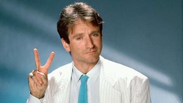 Robin Williams: hands of a crazy comic genius! - Page 2 628x471
