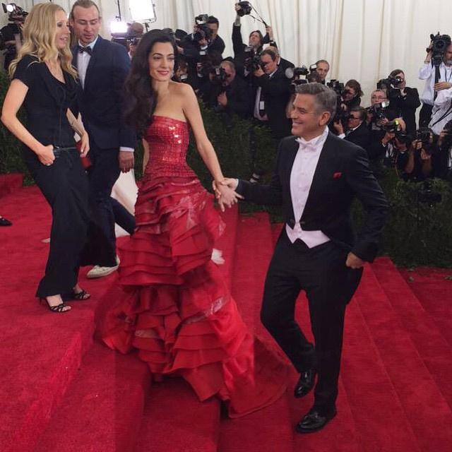 George Clooney at the Met Gala 4th May 2015 693f7a02jw1ert2b1dz16j20hs0hsdj9