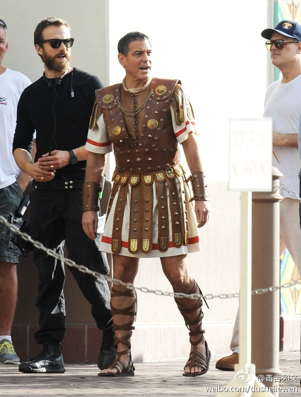 Hail Caesar filming in L A - George Clooney on the set - Page 2 5a3fe34ajw1en0xvztxzfj20go0lygqc