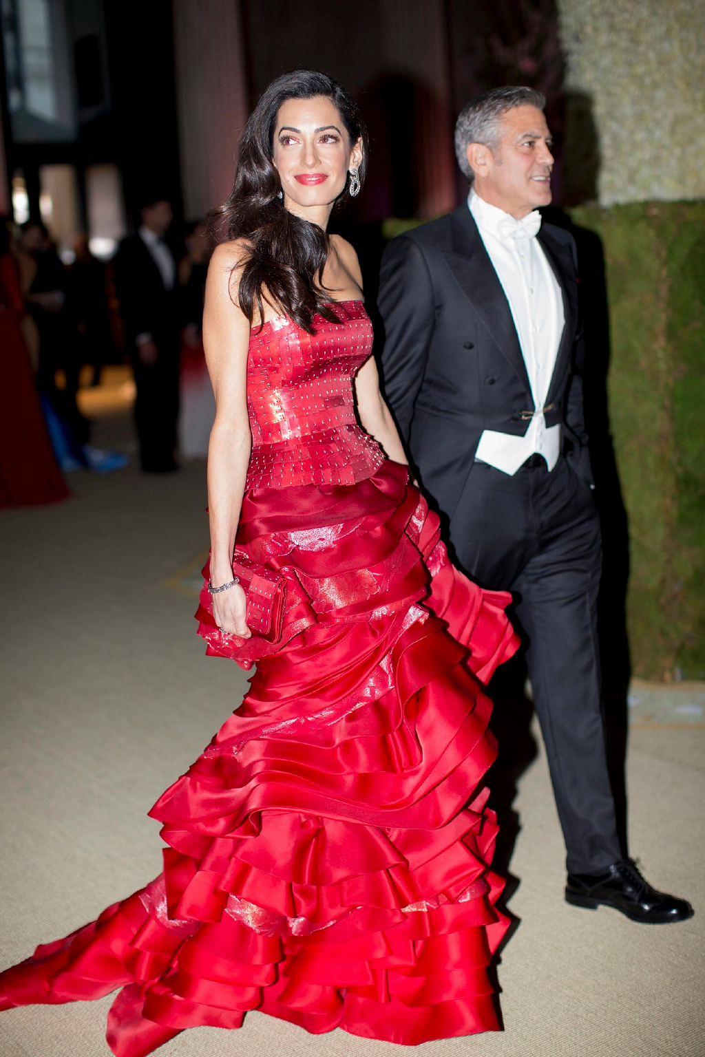 George Clooney at the Met Gala 4th May 2015 - Page 3 693f7a02gw1eruc9hthsqj21111jkh55