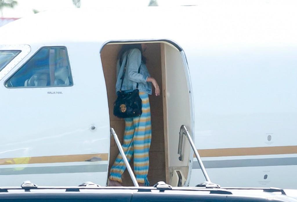George Clooney and Amal leaving LA 693f7a02jw1eg01hl1bgxj215n0saq7b