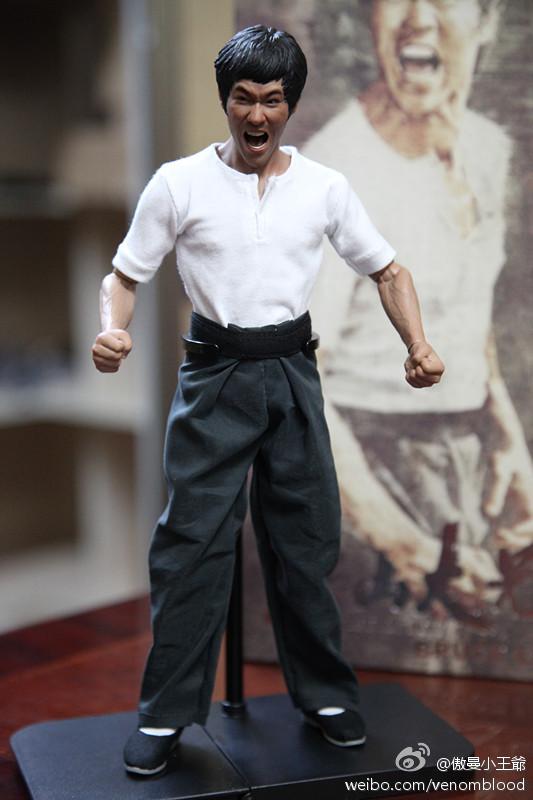 "[Enterbay] Bruce Lee  ""The Big Boss"" - 1/6 Real Masterpiece - Página 4 6f832f94gw1ebkjjdn1yzj20et0m8wgp"