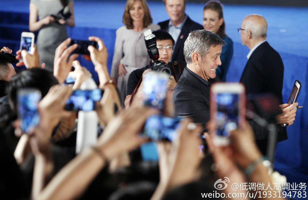 George Clooney in Shanghai Tomorrowland Premier 22. May 2015 733a361fgw1esdc6emlujj21kw10ygu0