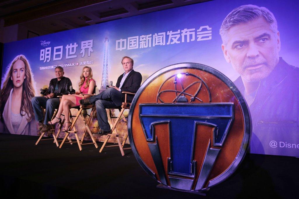 George Clooney in Shanghai Tomorrowland Premier 22. May 2015 61e75fb8gw1esd77sf266j21kw11xqdv