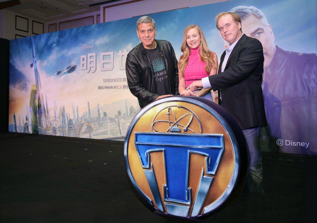 George Clooney in Shanghai Tomorrowland Premier 22. May 2015 61e75fb8gw1esd77u5prqj21kw145qc5