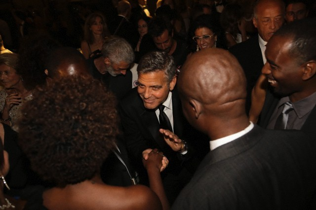 George Clooney and Amal to visit the Celebrity Fight Night Foundation in Florence - Page 6 693f7a02gw1ekerb1vg0fj20hs0buq42