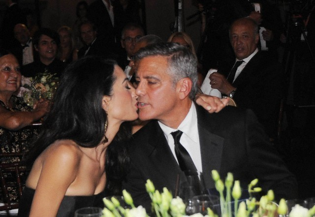 George Clooney and Amal to visit the Celebrity Fight Night Foundation in Florence - Page 6 693f7a02jw1ekeo17po80j20hs0cata7