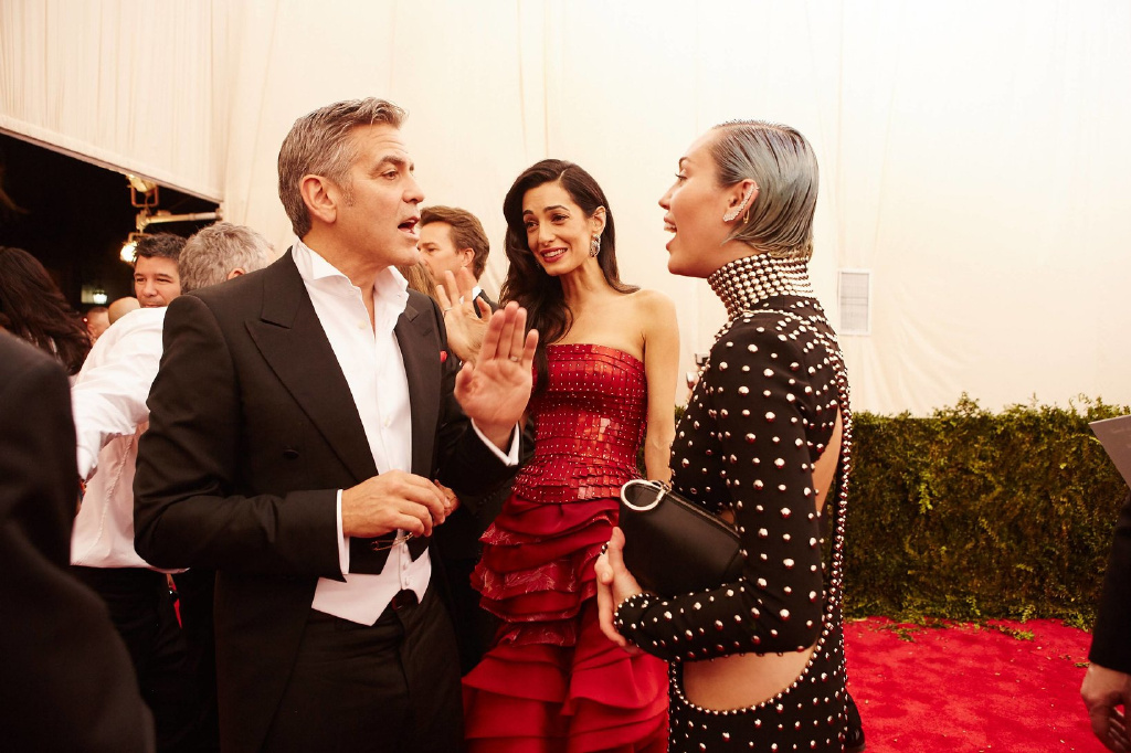 George Clooney at the Met Gala 4th May 2015 - Page 3 693f7a02jw1eruc5hj74wj219k0udtla