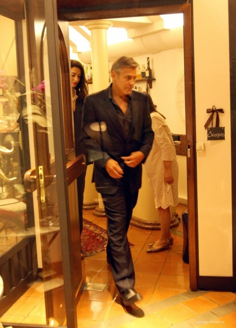 George Clooney & Fiancee Amal Alamuddin Make It a Family Night in Italy! - Page 2 693f7a02tw1ei29cut13sj20d90idwhf