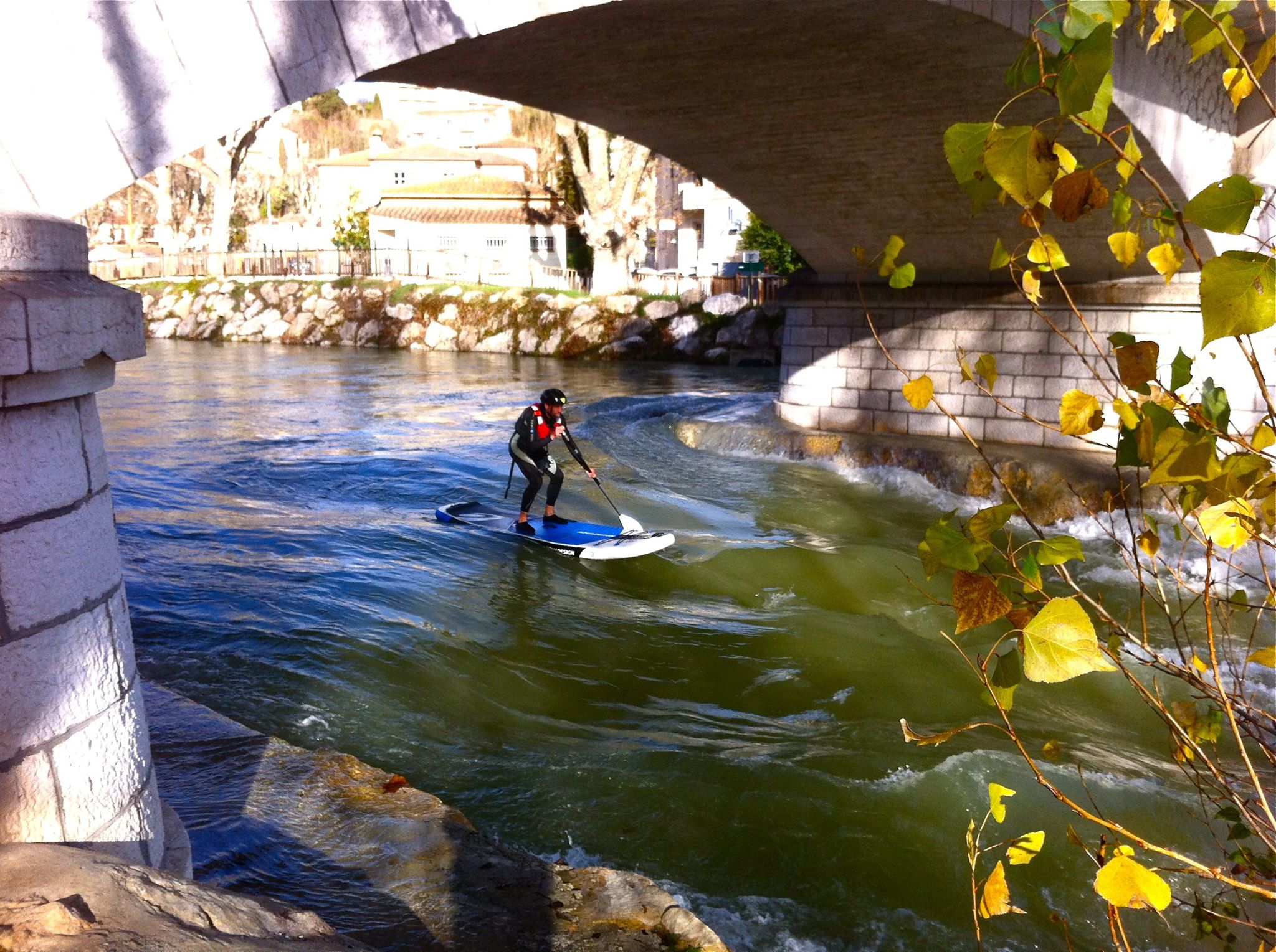 Video RiverSup - Page 2 Seuil%20sous%20pont%20Loup