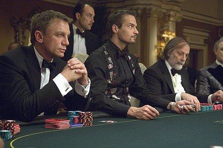 LES NOUVEAUX SUPPOS DE LA FORTUNE CasinoRoyale_poker