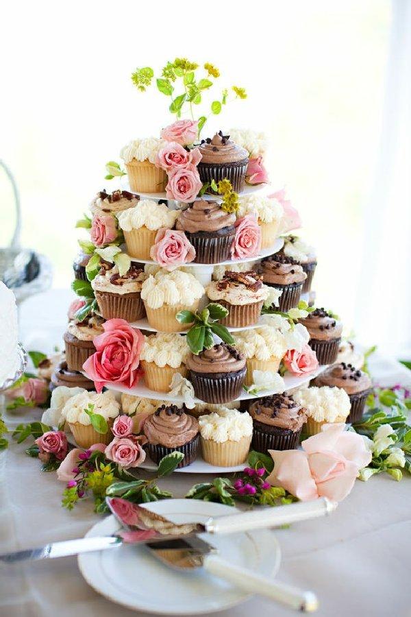#CUMPLEAÑOS FELIZ#CUMPLEAÑOS FELIZ# TE DESEAMOS A TI# - Página 39 Pastel-de-cup-cakes-de-diferentes-sabores