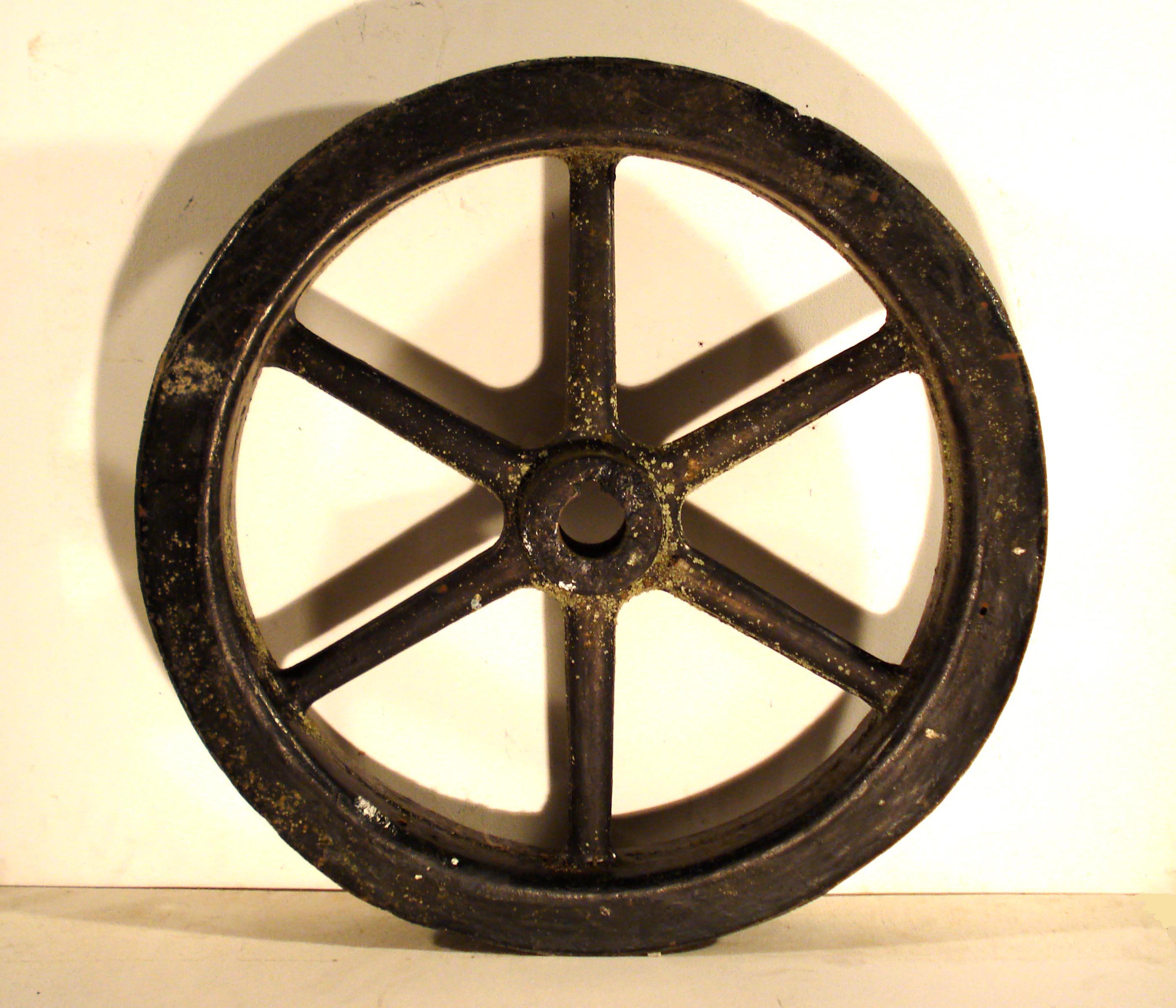 La roue - René François Sully Prudhomme Steel_wheel_industrial_old_style