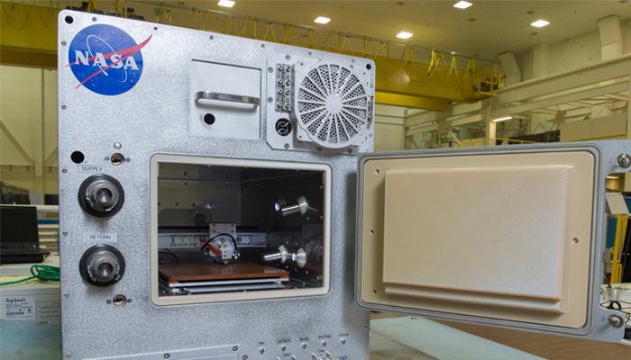Une imprimante 3D dans la Station Spatiale Article_refabricator1