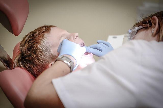 لماذا يحدث تسوس الأسنان رغم تنظيفها بانتظام؟ %D8%AA%D8%B3%D9%88%D8%B3-%D8%A7%D9%84%D8%A3%D8%B3%D9%86%D8%A7%D9%86-%D8%B1%D8%BA%D9%85-%D8%AA%D9%86%D8%B8%D9%8A%D9%81%D9%87%D8%A7