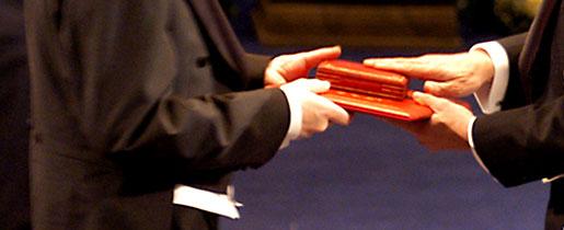 كتاب قصة حياة د:احمد زويل Nobelprizes_flag