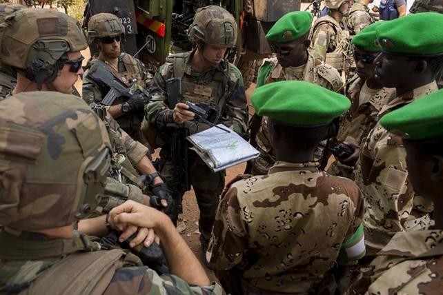 Centrafrique: 7 morts dans un accrochage entre soldats français et hommes armés  140113-centrafrique-sangaris-2-642x428