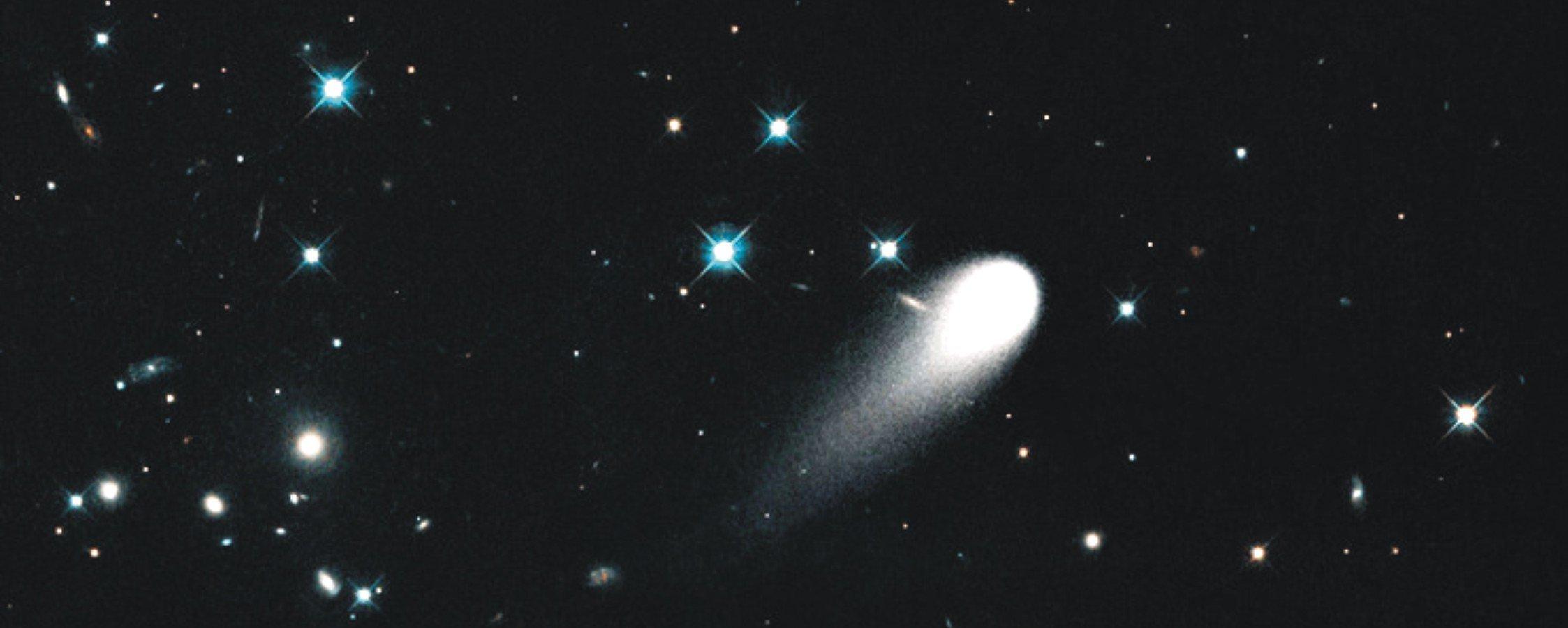 Papa Francisco = Gallo = Pedro. Para mi un acierto más de BSP - Página 5 El-cometa-ison-capturado-por-el-telescopio-hubble