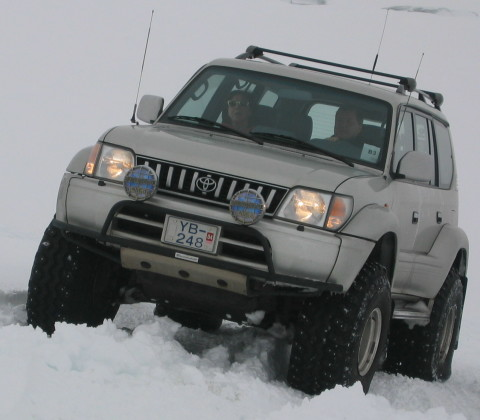 [Photos] Les plus beaux toys Rookie-trip-04-toyota-land-cruiser-getting-up