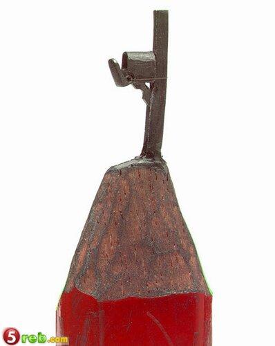 اعمال على رؤوس اقلام الرصاص Pencilleadsculptures-7