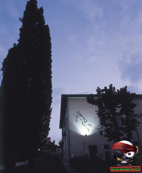 صور البنت اللي تحدى الثعابين وصور غريبة 2011 66a66-a09b3287eb