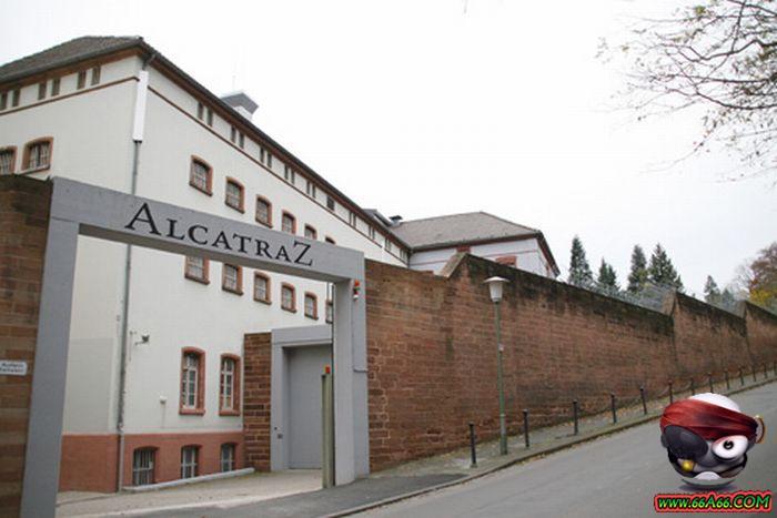 سجن النساء في ألمانيا . صور مذهلة ورائعة Domain-c9679622b1
