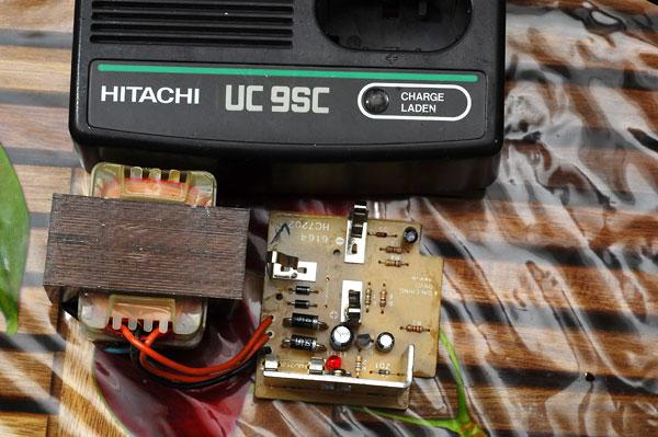 Chargeur visseuse Hitachi fusible interne qui saute Uc9sc1
