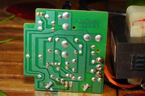 Chargeur visseuse Hitachi fusible interne qui saute Uc9sc6