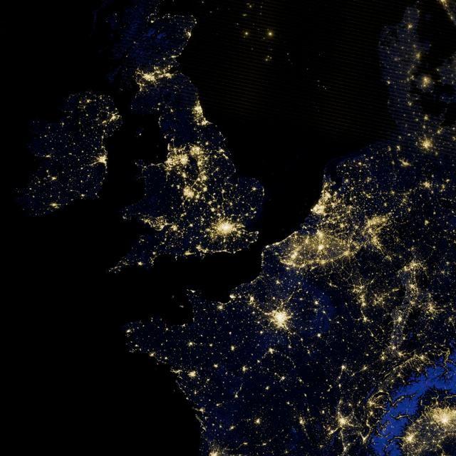 Slike Zemlje iz svemira  Zemlja1