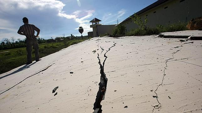 La orientación horizontal de la falla tectónica evitó un devastador tsunami en Indonesia. Indonesia1204_efe--644x362