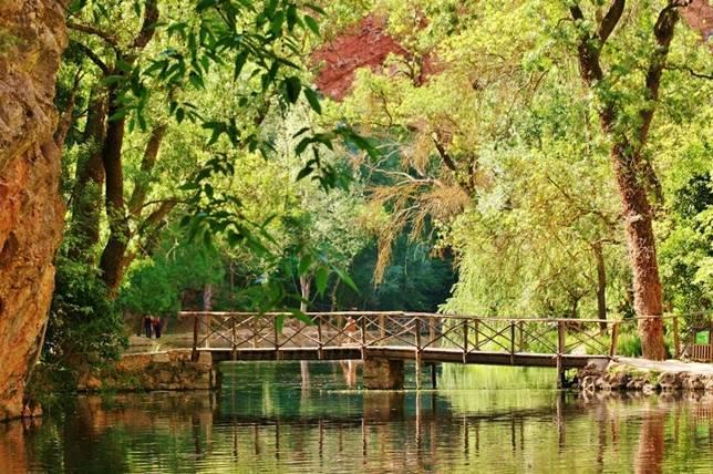 PARADISE ´VIP - Página 2 Monasterio_de_Piedra_monjes_agua_y_chocolate_panoramio_FranciscoJoseRios_paraisonatural-8669--644x428