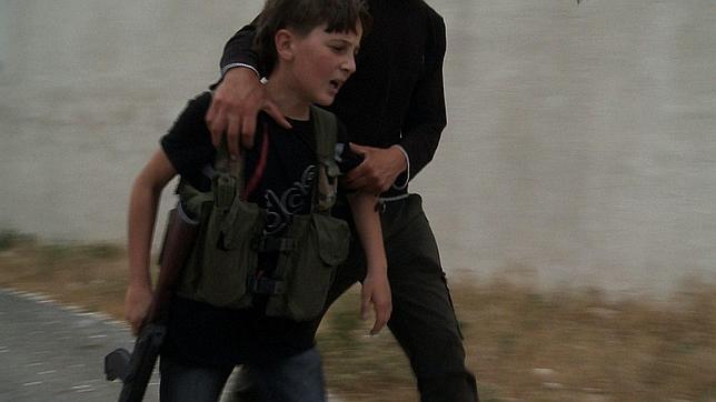 ¿Que deberiamos hacer en las proximas elecciones argentinas? - Página 3 Joven-soldado-siria-kalashnikov--644x362
