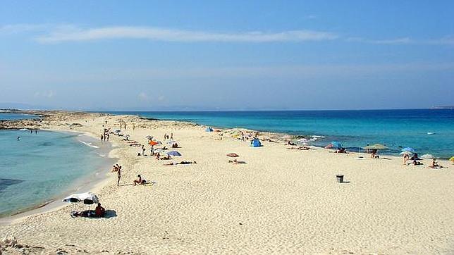 Las diez mejores playas de España, según los internautas Ses-illetes--644x362