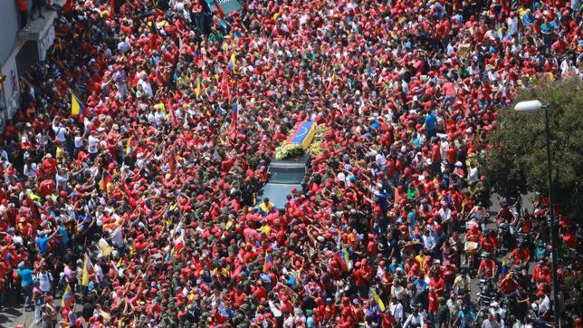 Bara vuota ai funerali di Chavez?..(morto a cuba )? Feretro--644x362