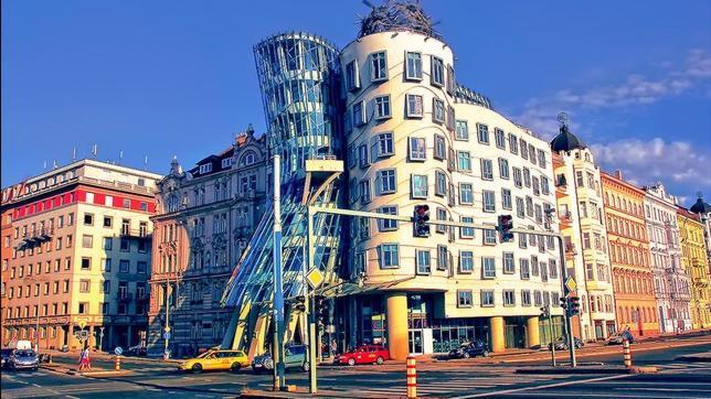 Los diez edificios más raros del mundo Casa-danzante-praga--644x362