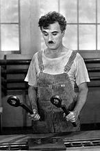 El «ridículo» robo del cadáver de Chaplin  Chaplin-1936--146x220