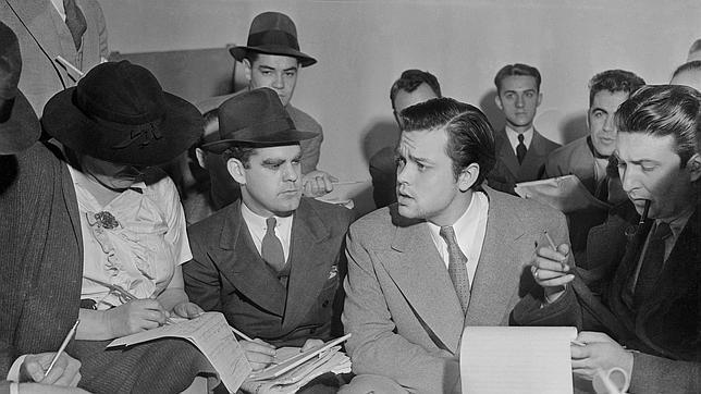 """El dia que Orson Welles sembro el panico con """"La guerra de los mundos"""" Orson-welles--644x362"""