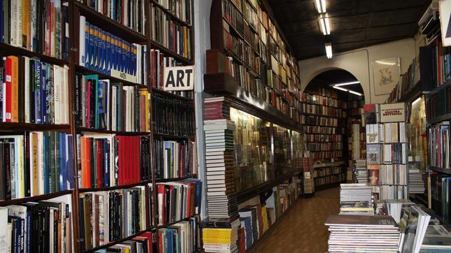 La librería cuyo sótano inspiró «La sombra del viento» ya es historia Canuda--644x362
